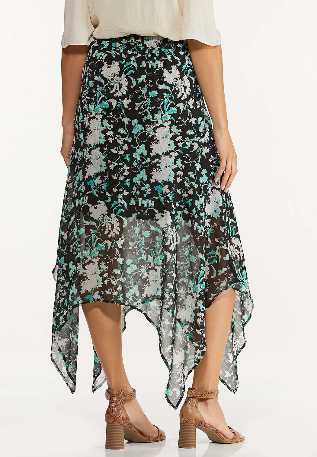 Plus Size Textured Floral Hanky Hem Skirt (Item #44624007)
