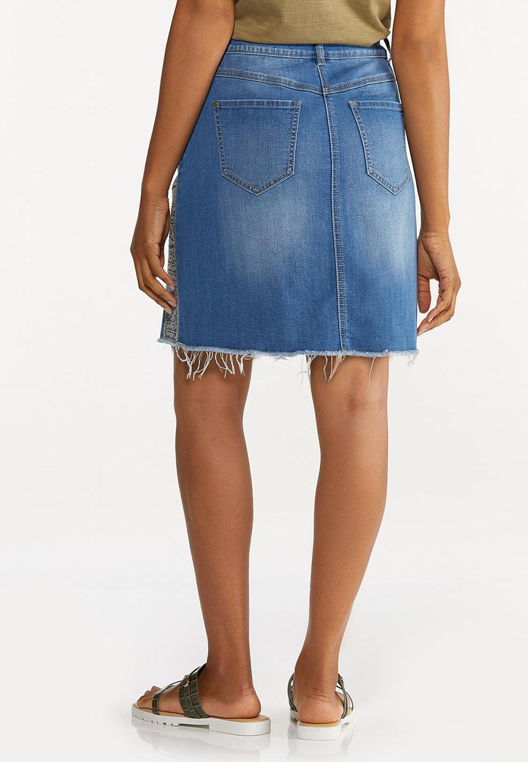 Plus Size Embroidered Denim Skirt (Item #44627573)