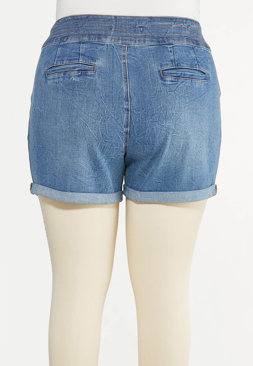 Plus Size Double Button Denim Shorts (Item #44627764)