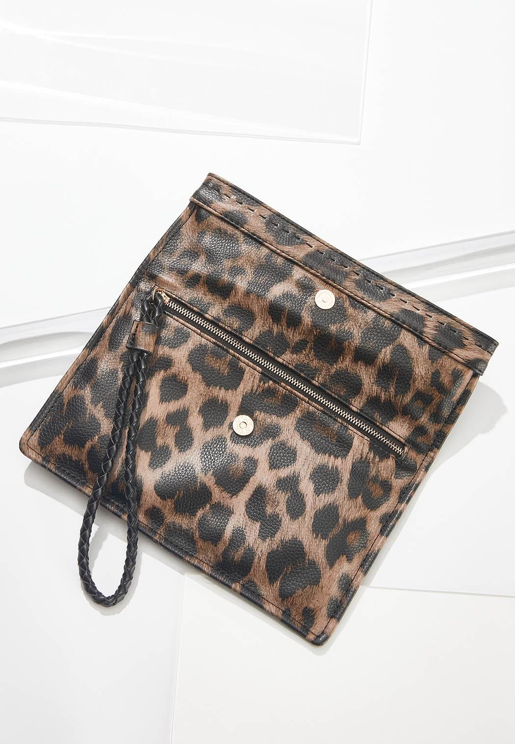 Leopard Fold Over Wristlet (Item #44631007)