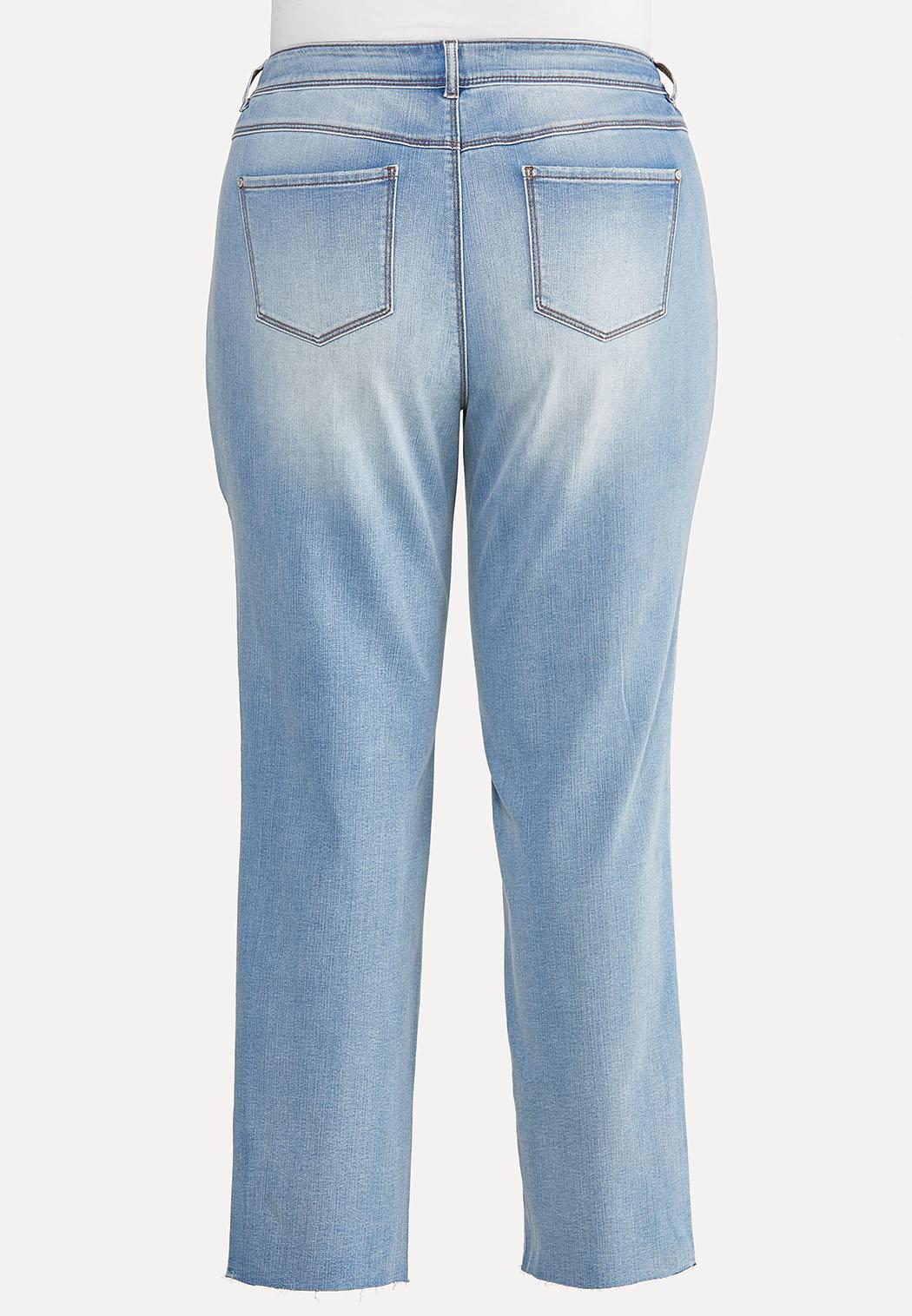 Plus Size Lightwash Jeans (Item #44646281)
