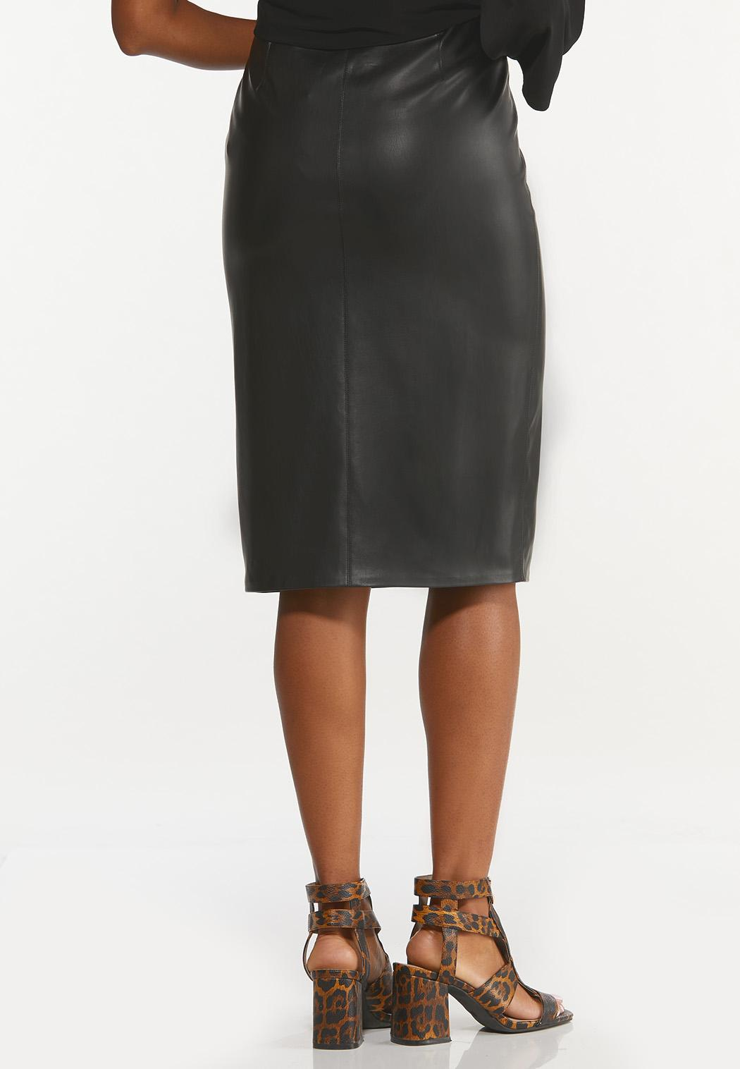Plus Size Belted Faux Leather Skirt (Item #44650677)