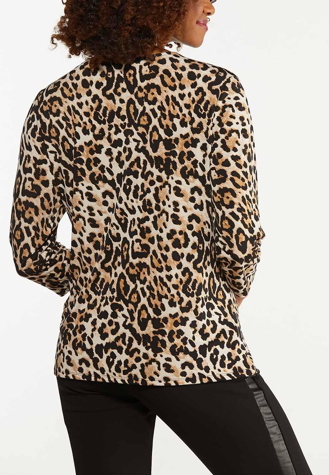 Plus Size Leopard Twisted V-Neck Top (Item #44667834)