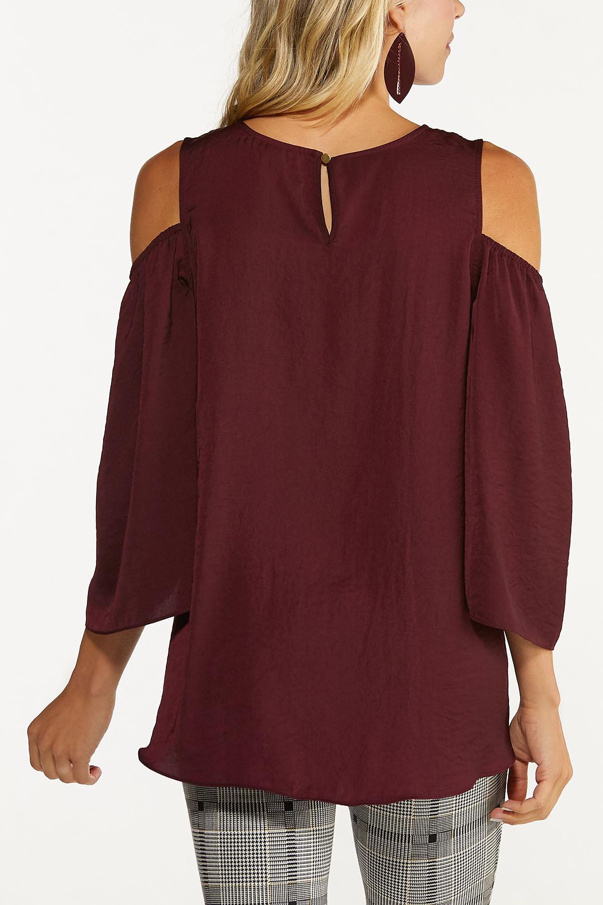 Plus Size Cutout Cold Shoulder Top (Item #44675167)