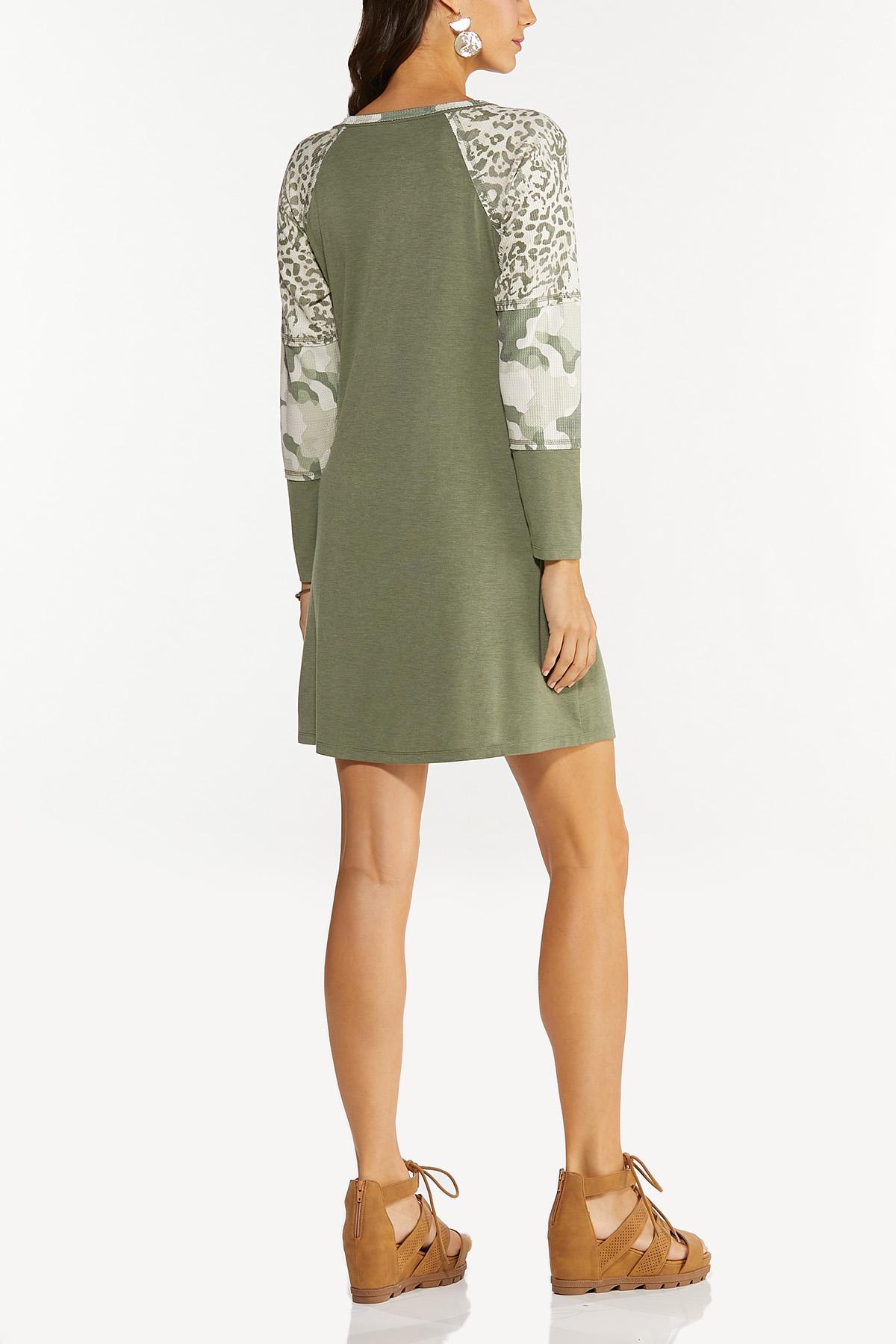 Plus Size Animal Sleeve Shift Dress (Item #44677916)