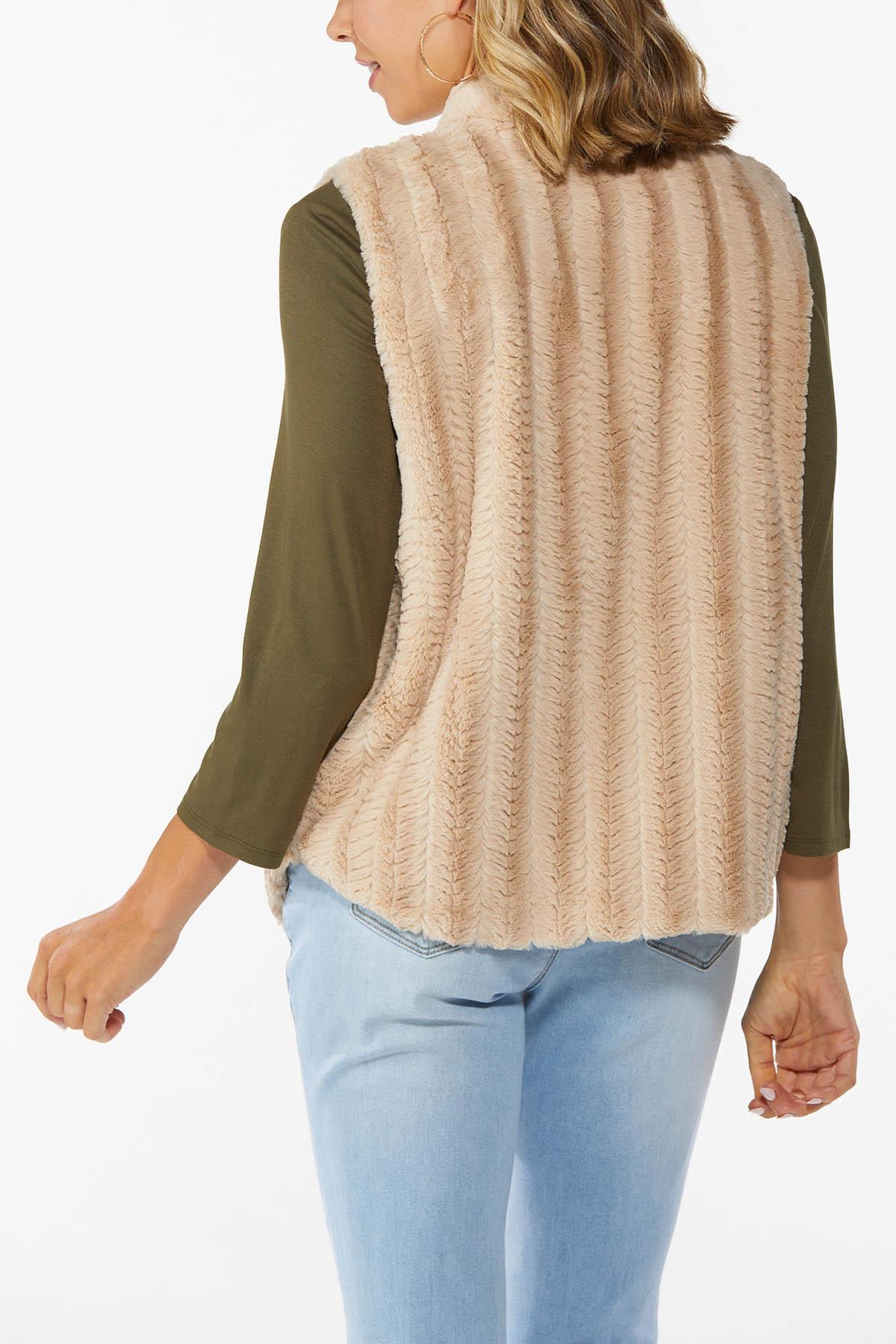 Plus Size Chevron Faux Fur Vest (Item #44710891)