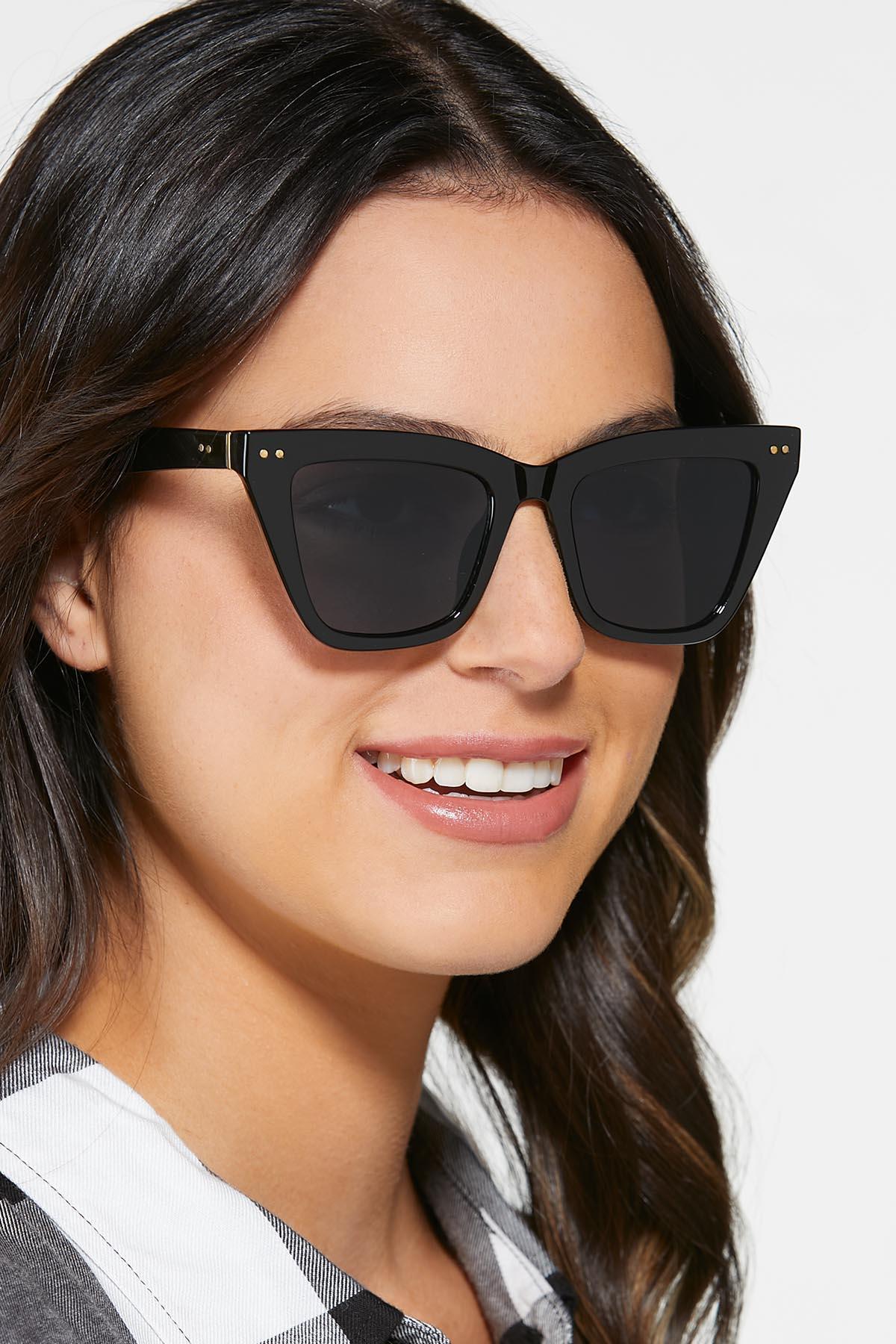 Fashion Black Sunglasses (Item #44739367)