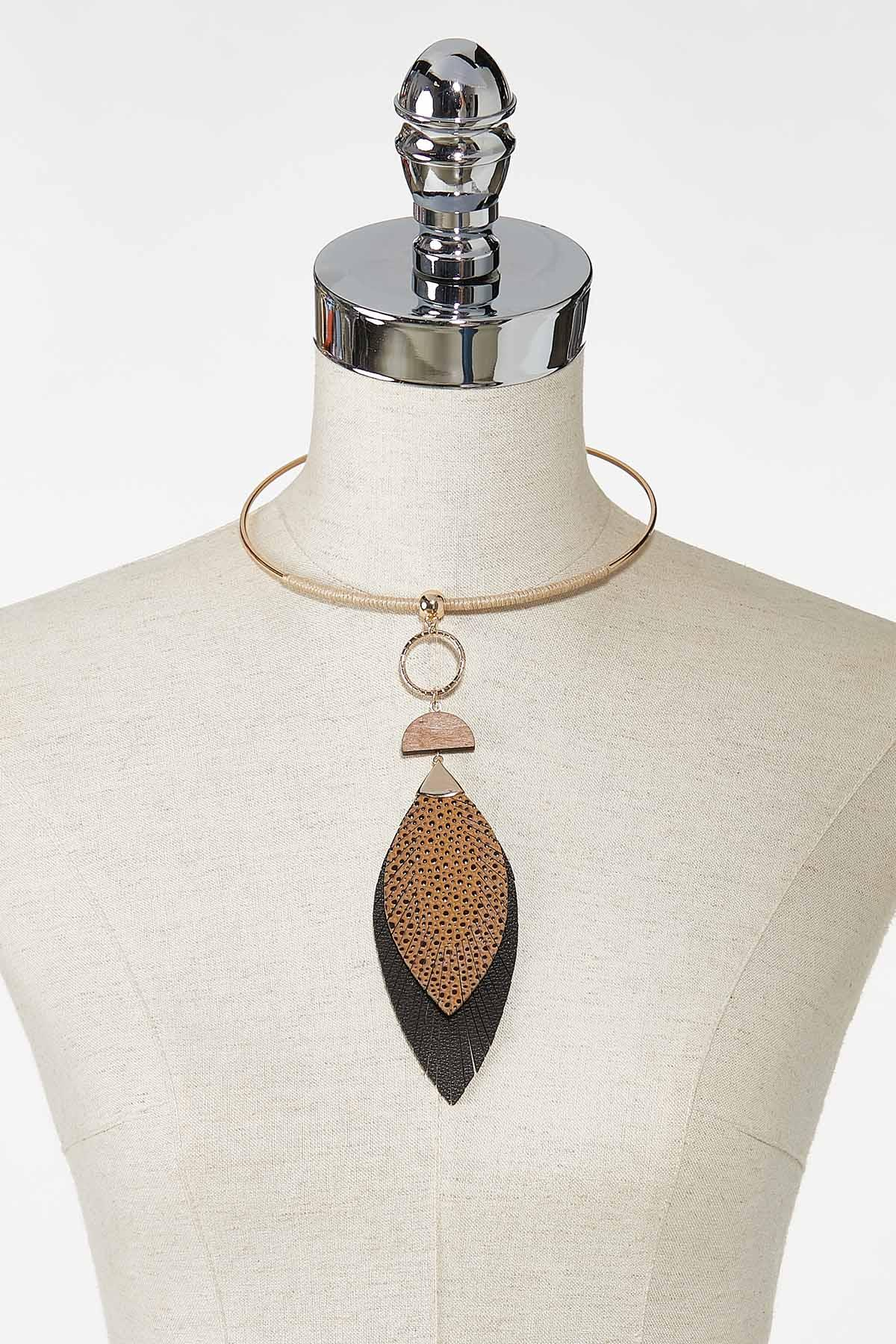 Pebbled Leaf Wire Necklace (Item #44770936)